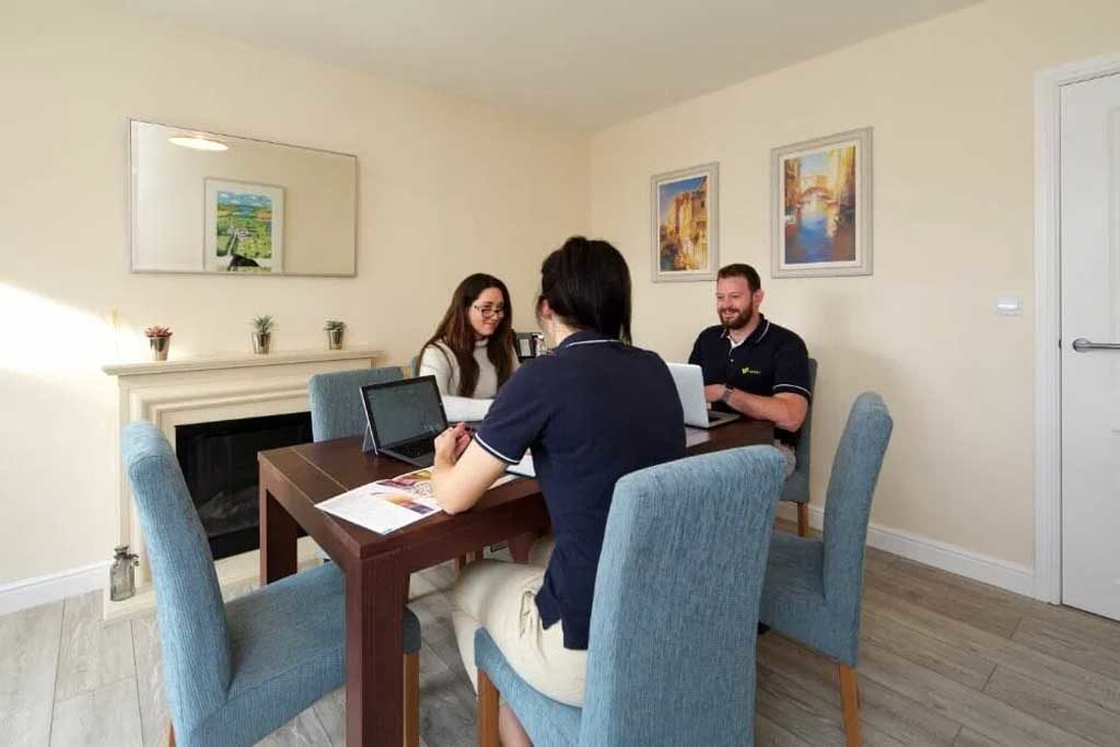 willerby-hull-people-around-table
