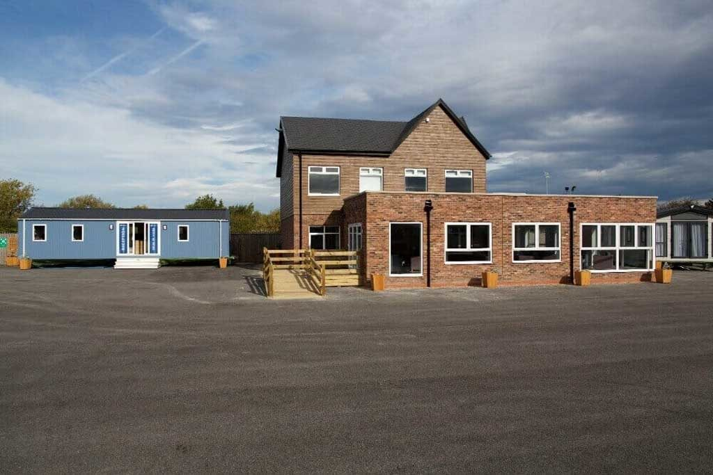willerby-hull-view-of-building