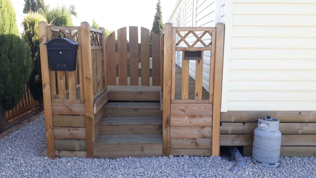 Decking Variation Examples (28)