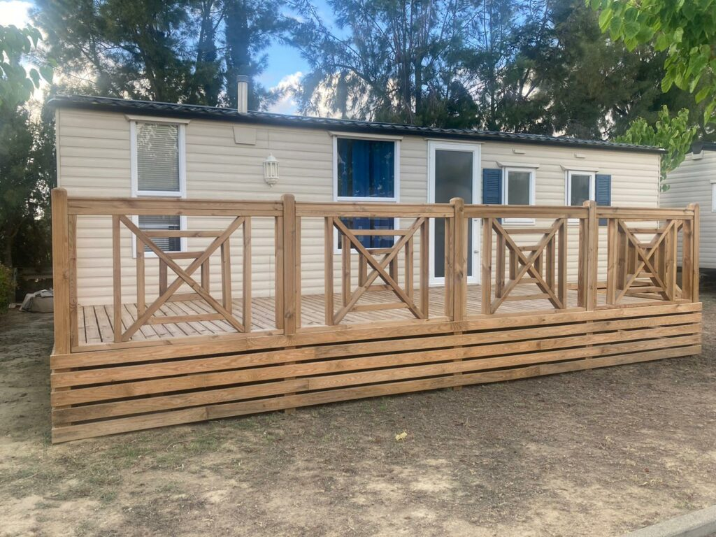 Decking And Skirting (1)