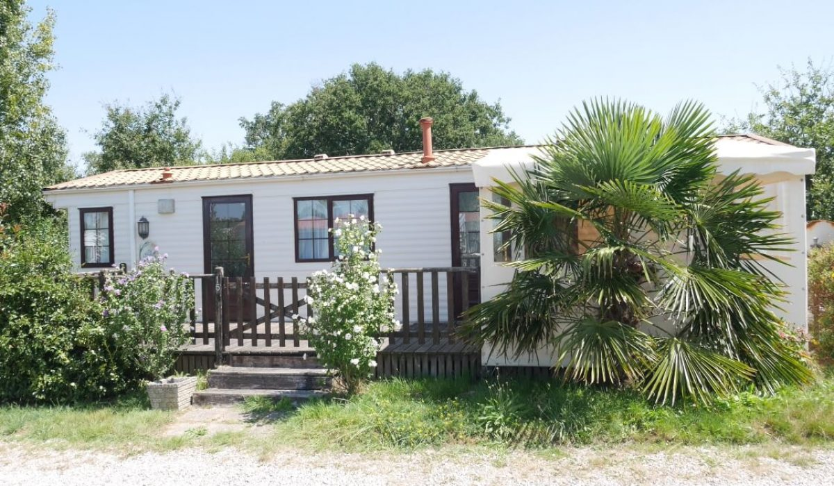 02 Front View Plot 15 Willerby Ganada Vendee France Caravans In The Sun (3)