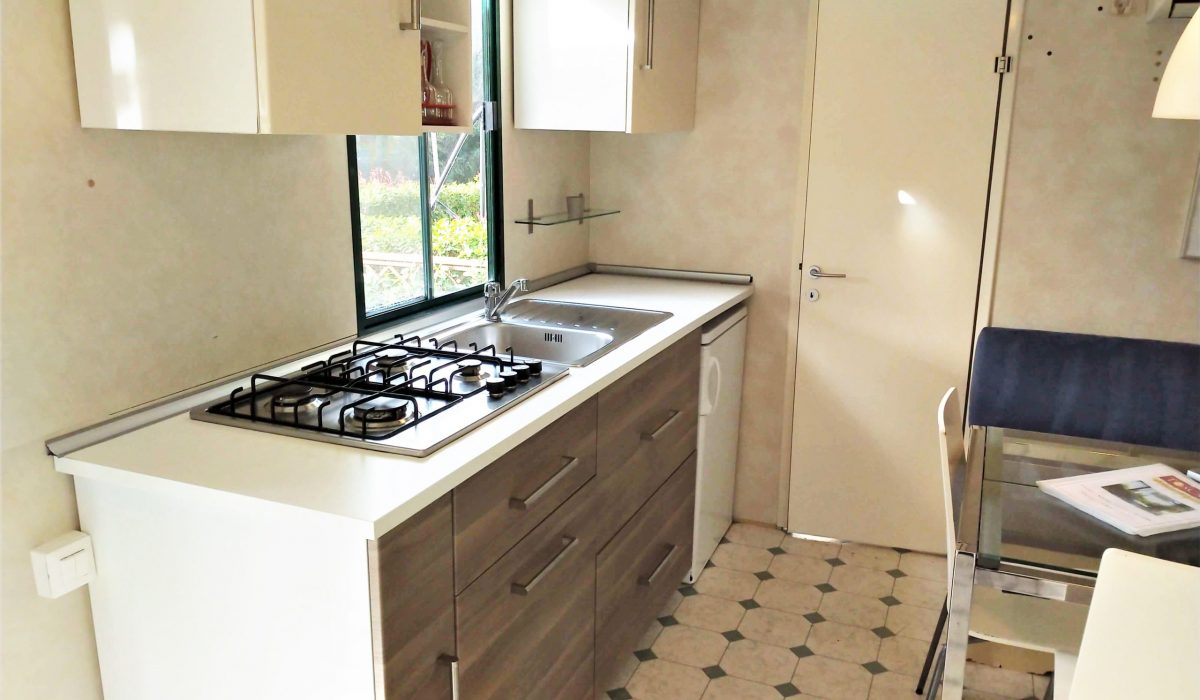 03 Kitchen Plot 33 Toscana Holiday Village Tuscany Italy Caravans In The Sun Mobile Homes For Sale (3)