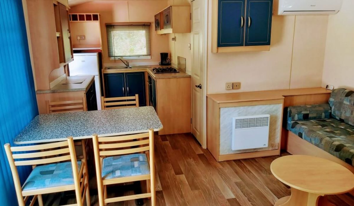 06 Lounge Diner Plot M68 Toscana Caravans In The Sun (8)