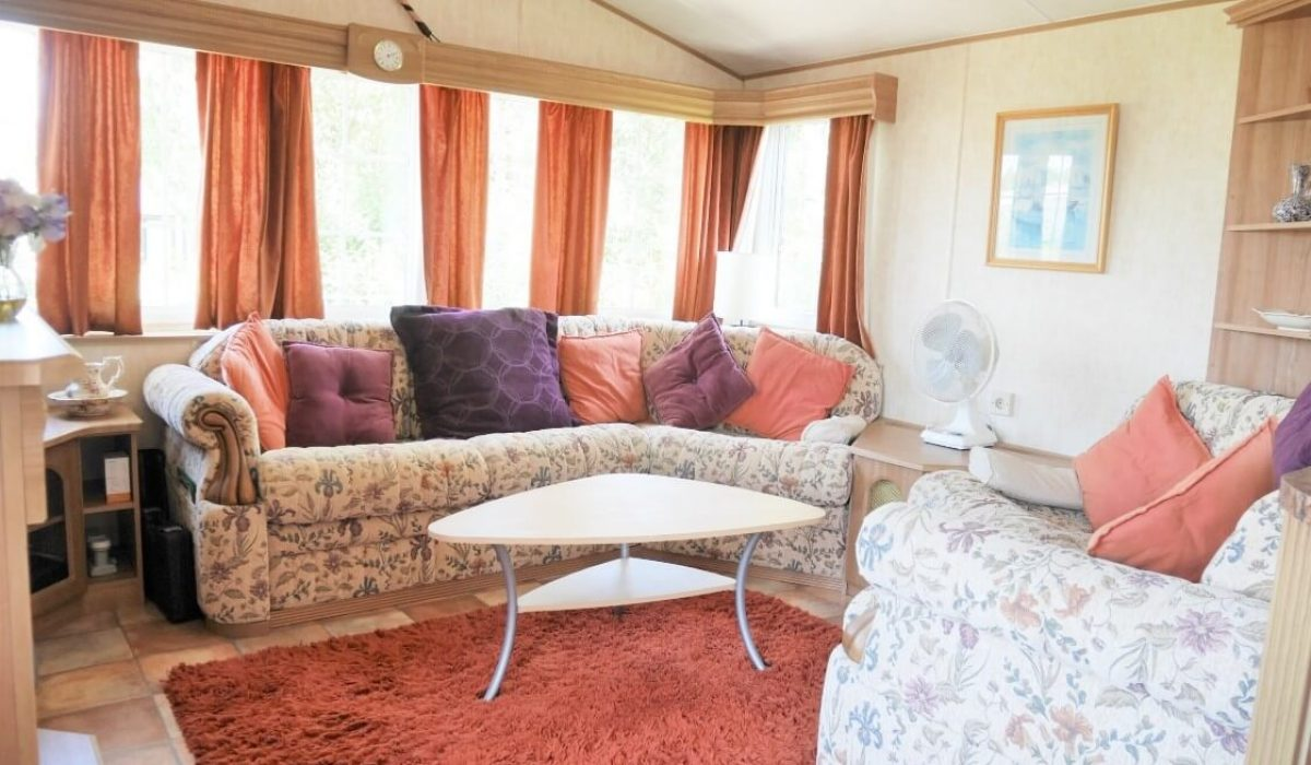 07 Lounge Plot 15 Willerby Ganada Vendee France Caravans In The Sun (10)