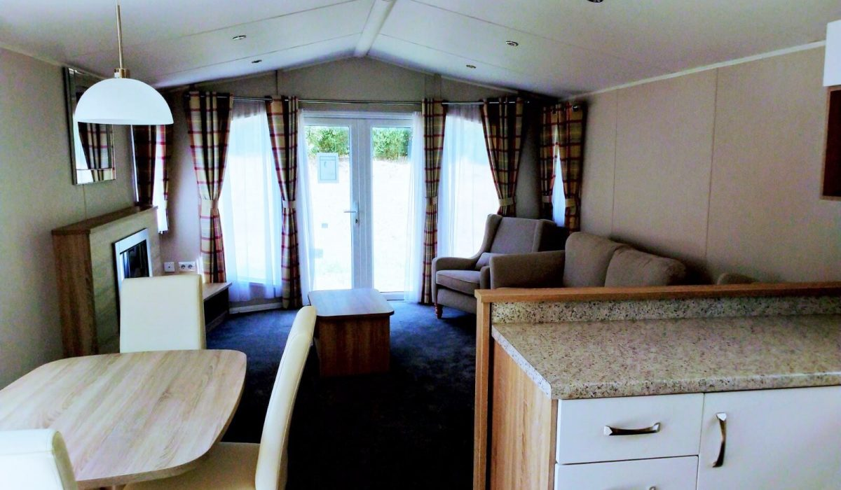 08 Lounge Diner Willerby Sierra Toscana Holiday Village Pisa Tuscany Italy (11)