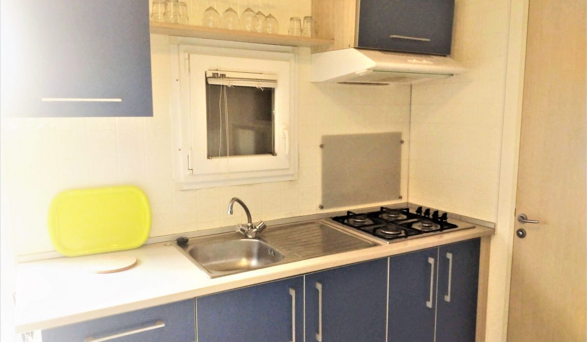 08.5 Kitchen Shelbox Resale Plot 32 Toscana Holiday Village Tuscany Italy (17)