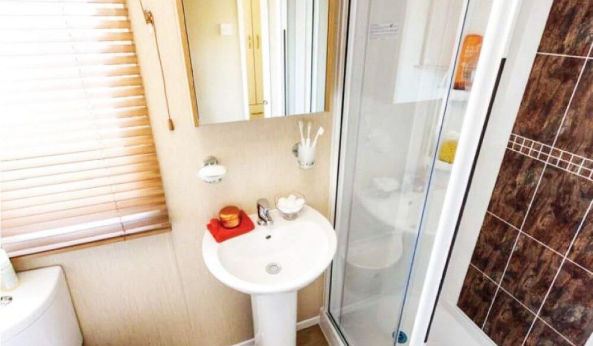 09 Shower Room View 5 Pemberton Marlow Alykes Greece (4)