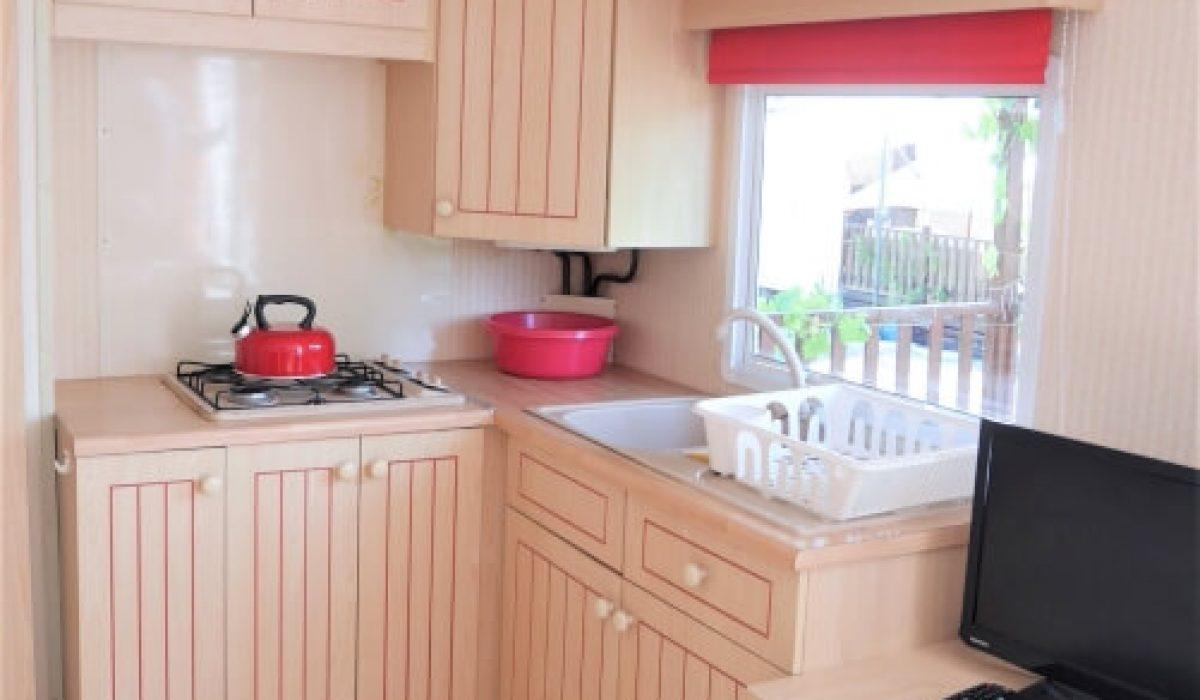 10 Kitchen Plot 35 Willerby European Vendee France Caravans In The Sun (16)