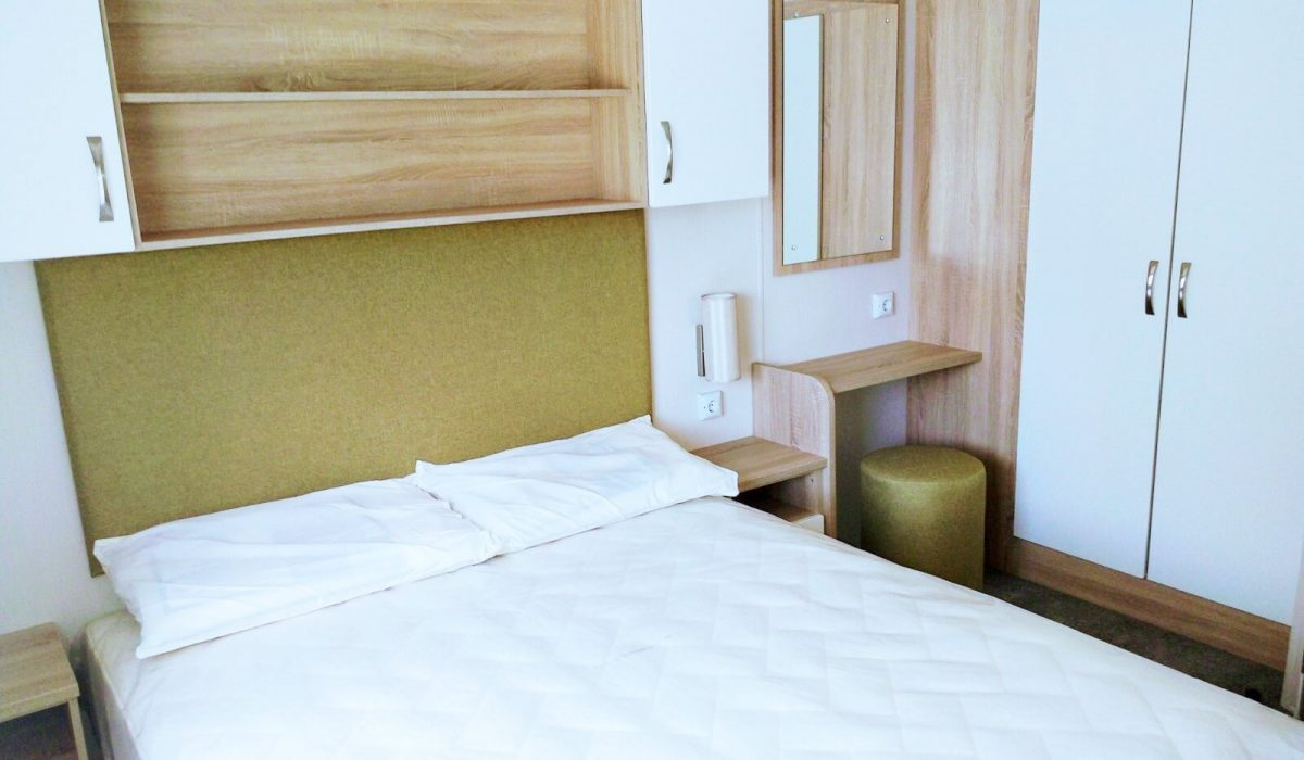 12 Master Bedroom Willerby Sierra Toscana Holiday Village Pisa Tuscany Italy (18)