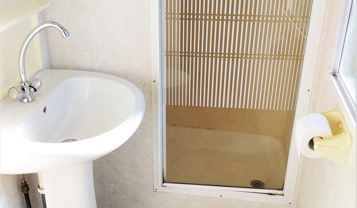 12 Shower Room Plot 43 Toscana Holiday Village Tuscany Italy Caravans In The Sun (5)