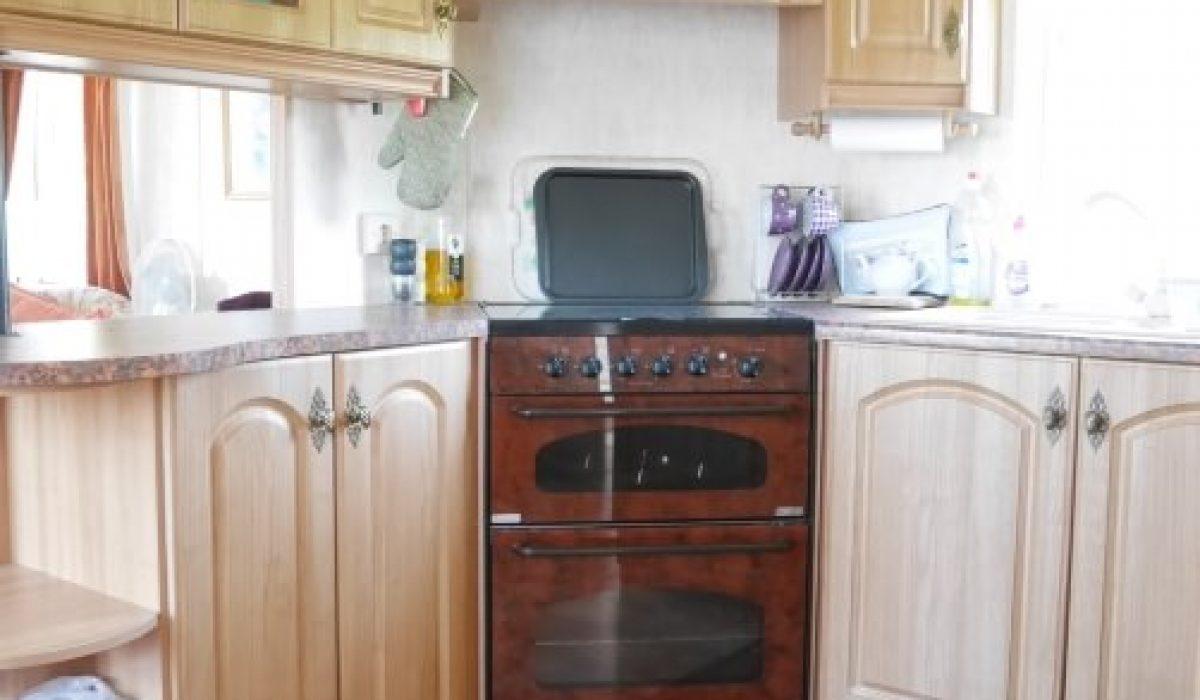 13 Kitchen Plot 15 Willerby Ganada Vendee France Caravans In The Sun (8)