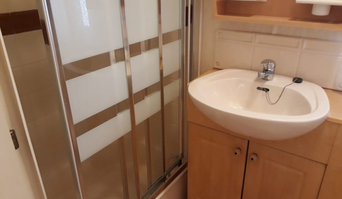 18 Shower Room 7 Mountain View Saydo Park Costa Del Sol Spain Caravans In The Sun (11)