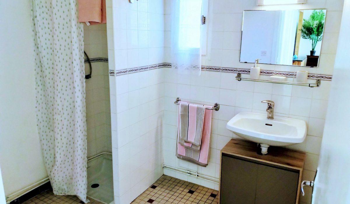 19 Bathroom Bergerac Residential (17)