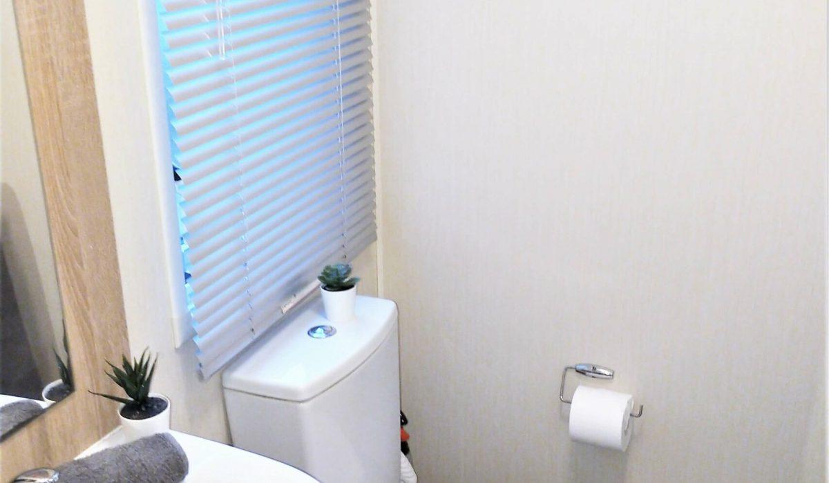 23 Shower Room Willerby Rio Special Plot 66 Toscana Holiday Village Tuscany Italy (1)