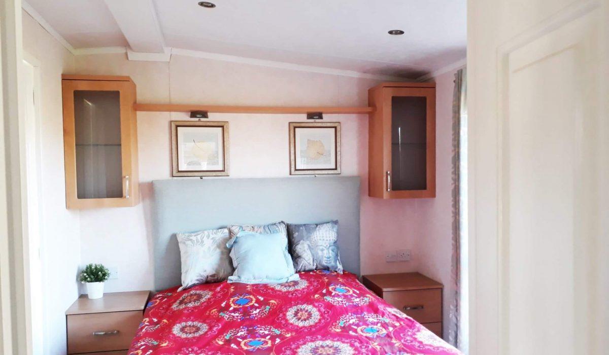 25 Master Bed Pemberton Knightsbridge Caravans In The Sun Mobile Home El Rocio (9)
