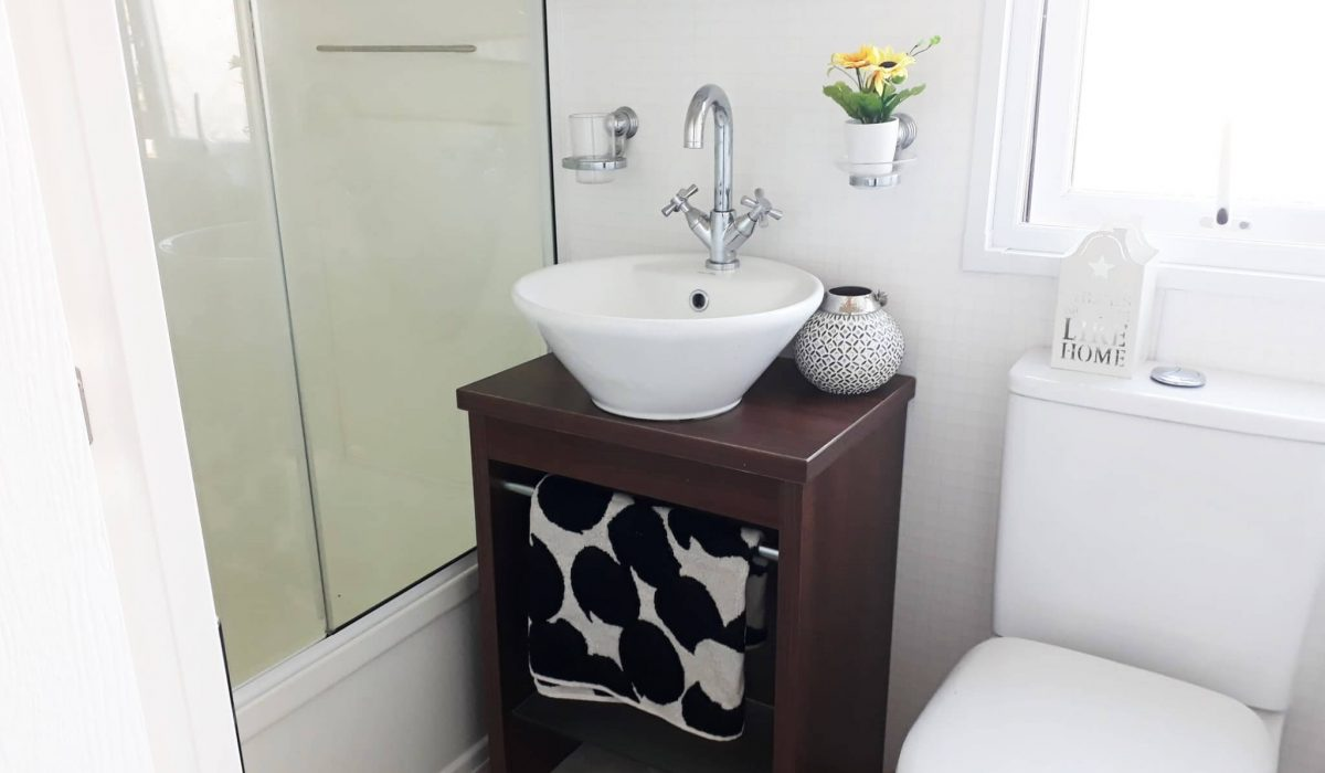 27 Bathroom Pemberton Knightsbridge Caravans In The Sun Mobile Home El Rocio (3)
