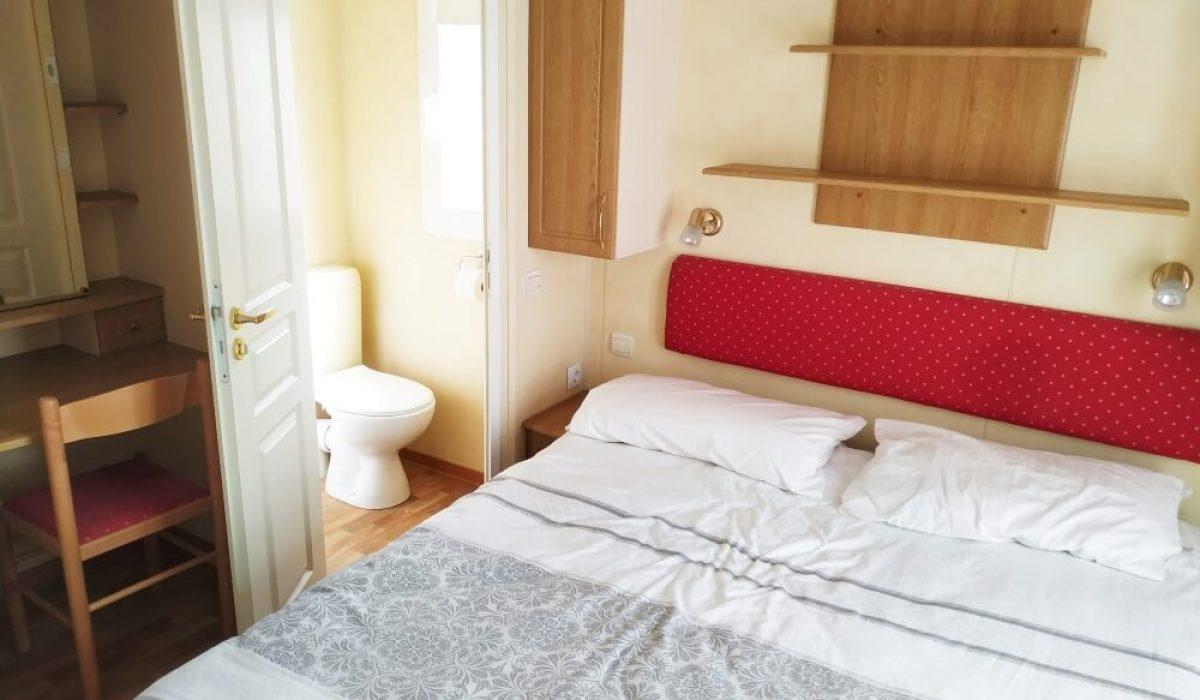 27 Master Bedroom IRM Emeraude 2005 Torre Del Mar Spain Caravans In The Sun (16)