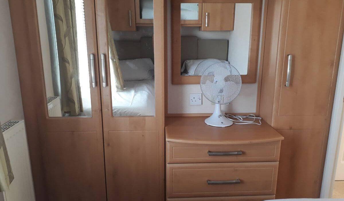 60 Orange Grove Twin Bedroom 2