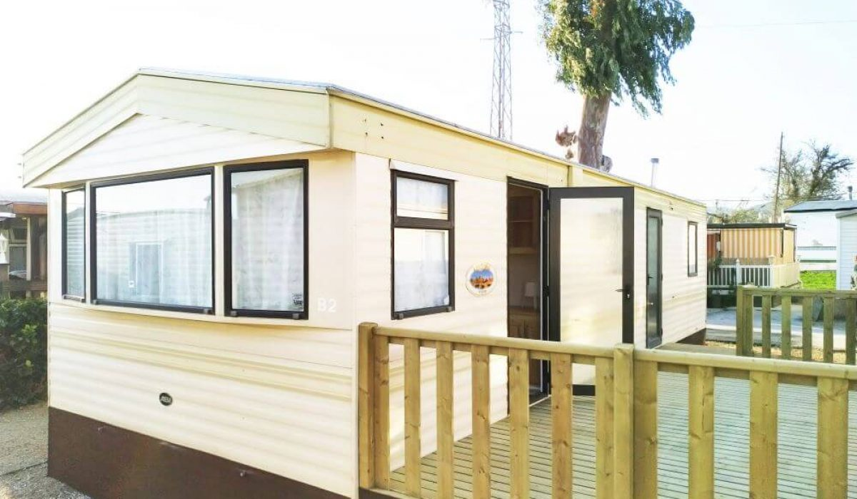 ABI Arizona Mobile Home Caravans In The Sun Front View
