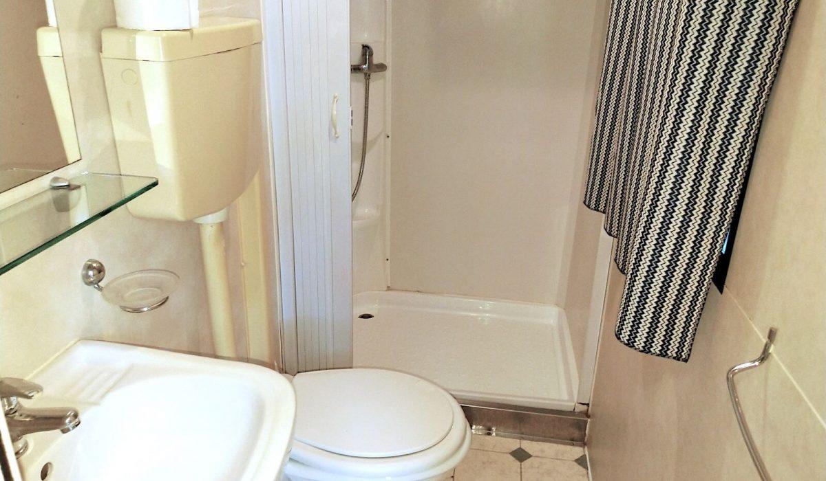 Shelbox Standard Plot 38 Shower Room WC