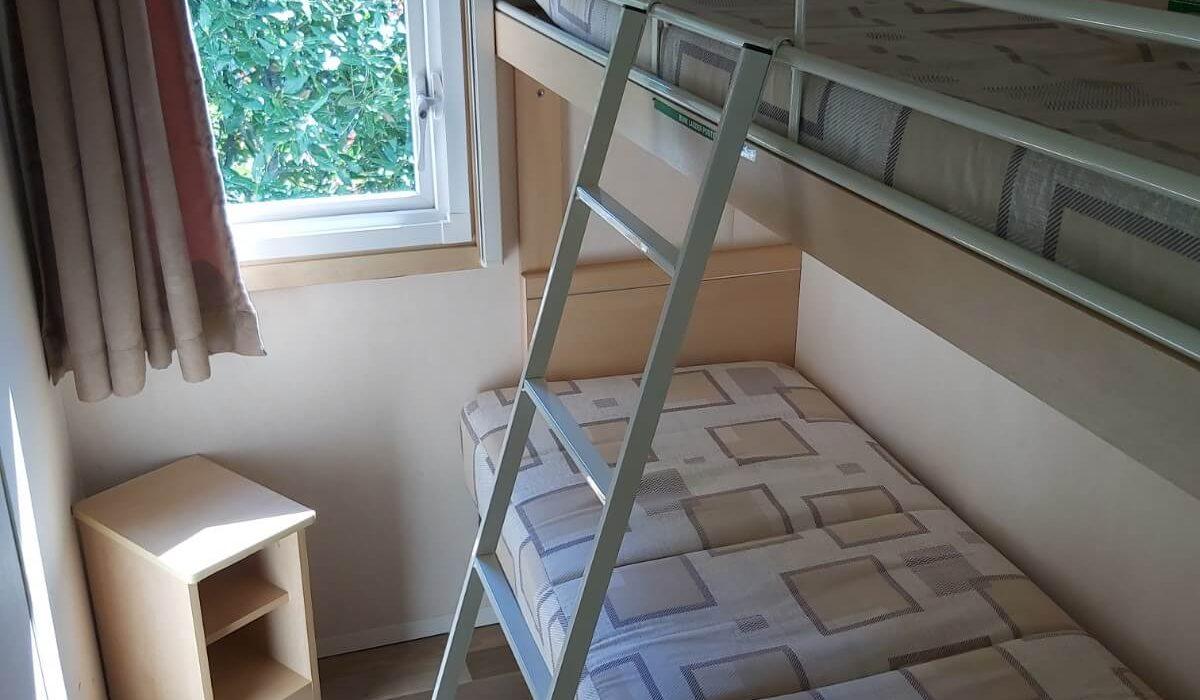 Bunk Room Tempo