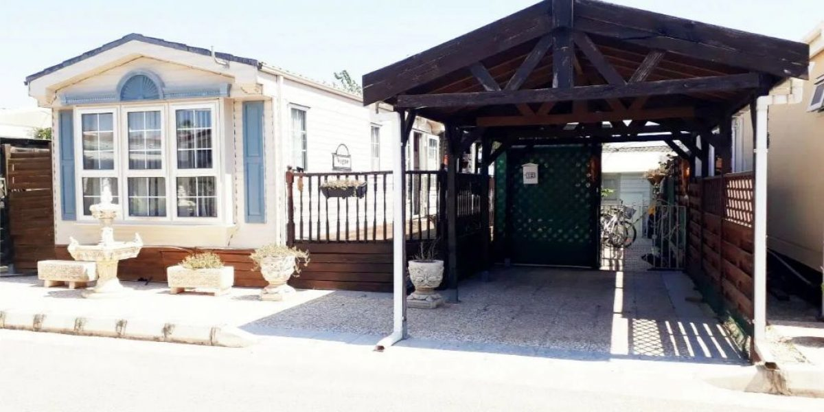 willerby-vogue-12-the-courtyard-featured